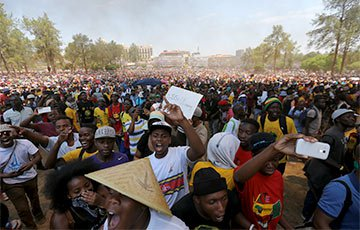 ai-174987-aux-head-20151023_pretoria_Reuters_360