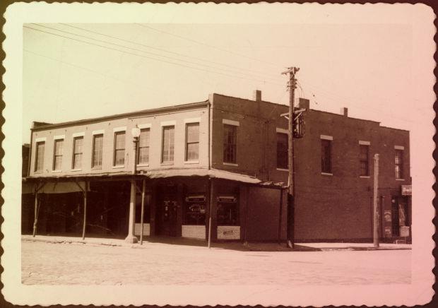 Шулер-холл. Фото 1959 года.